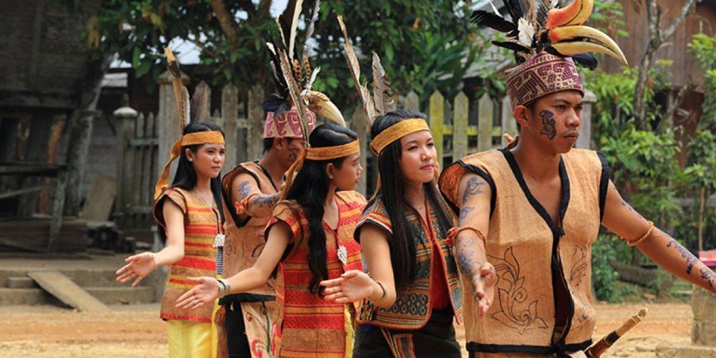 Perbedaan suku dan bangsa