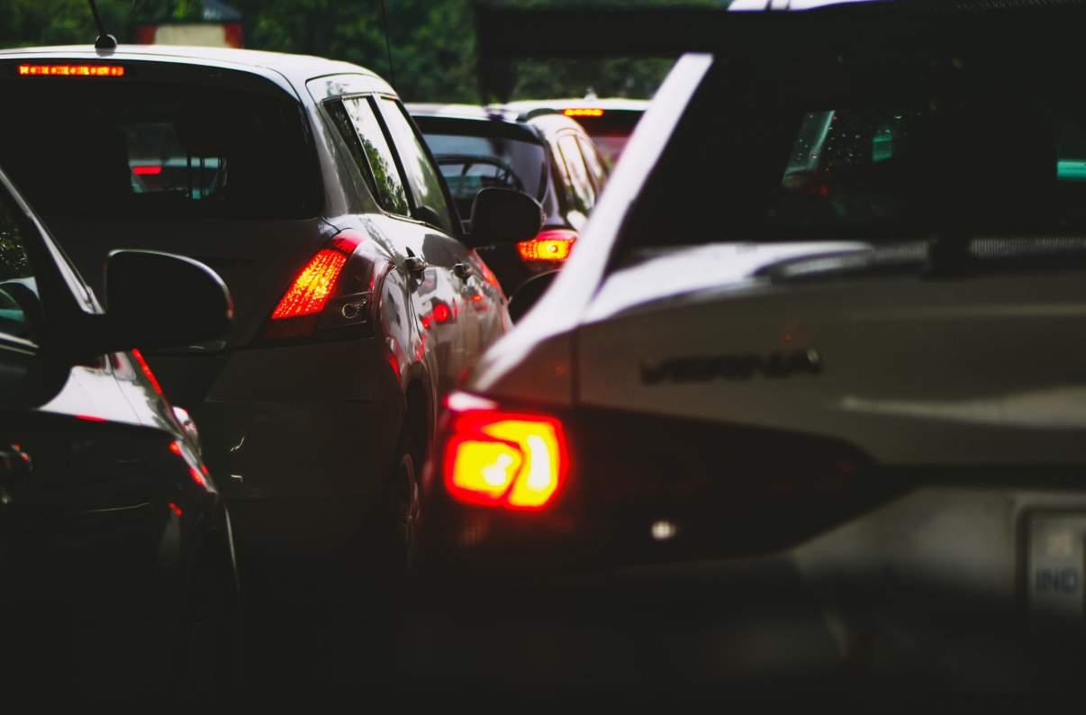 Melanggar peraturan lalu lintas