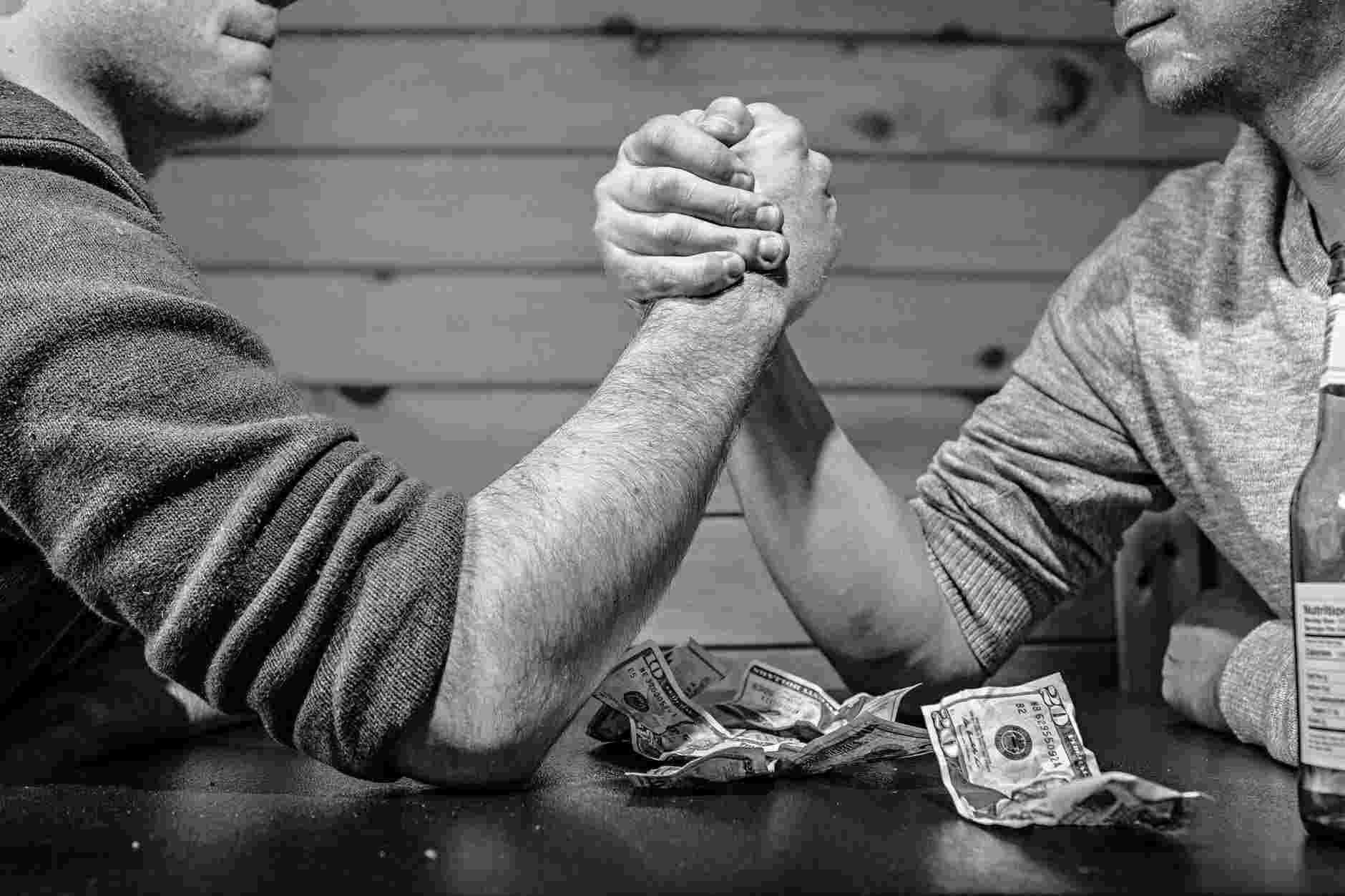 menumbuhkan sikap disiplin dan etos kerja