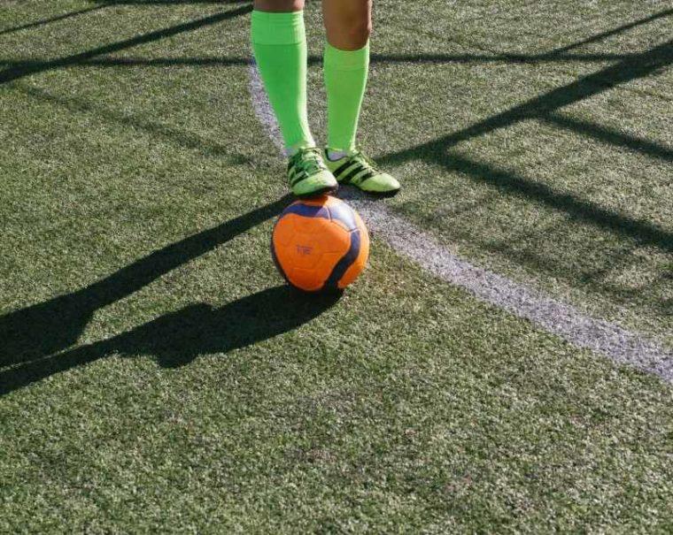 Latihan Menahan Bola