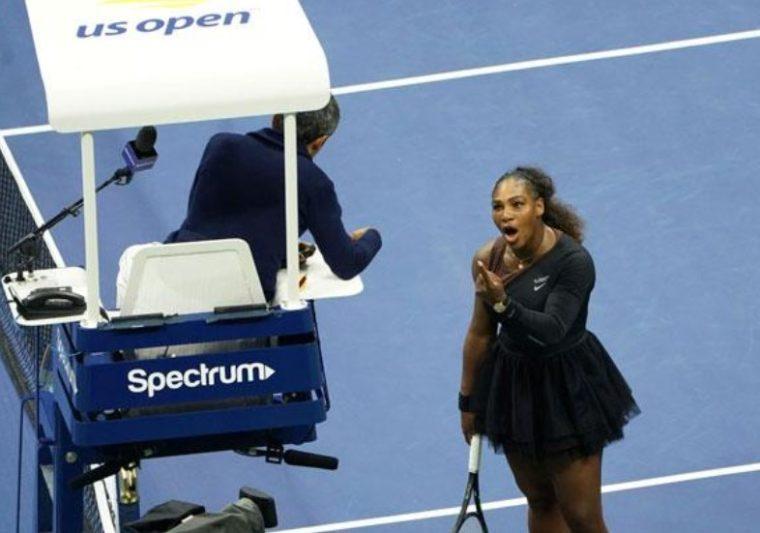 Hakim Pertandingan Tenis Lapangan