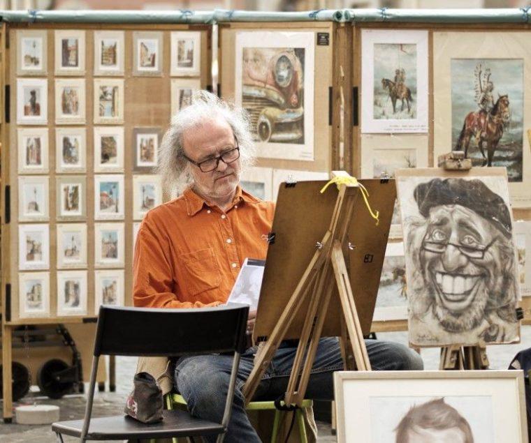 Pengertian Kritik Seni Menurut Para Ahli