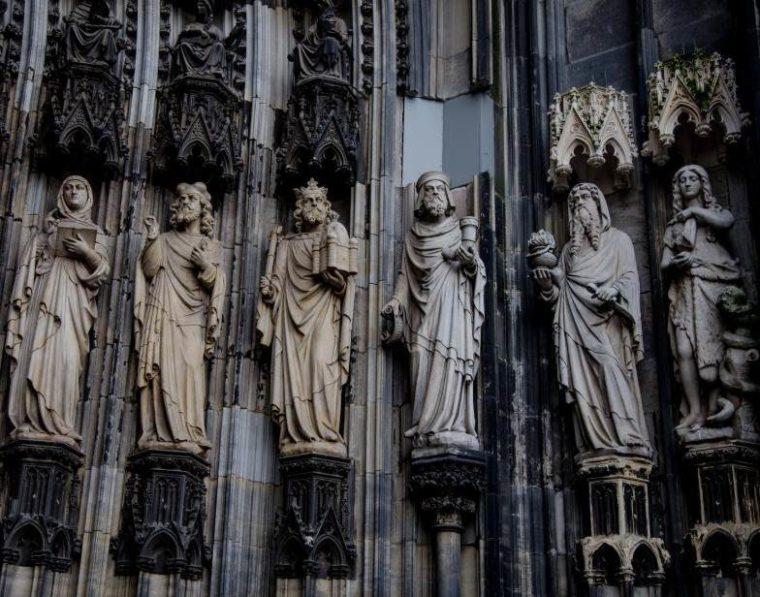 Sejarah Seni Patung