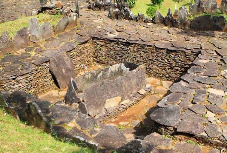 Kubur Batu Zaman Neolitikum