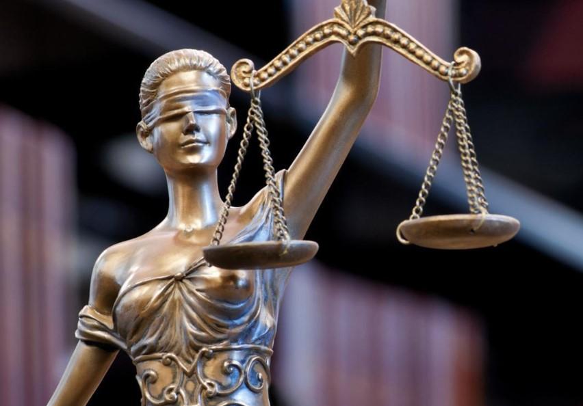 Gambar Thumbnail Perbedaan Hukum Privat dan Publik