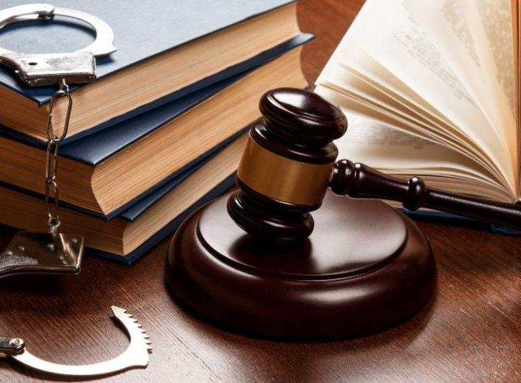 Perbedaan Hukum Pidana dan Hukum Perdata
