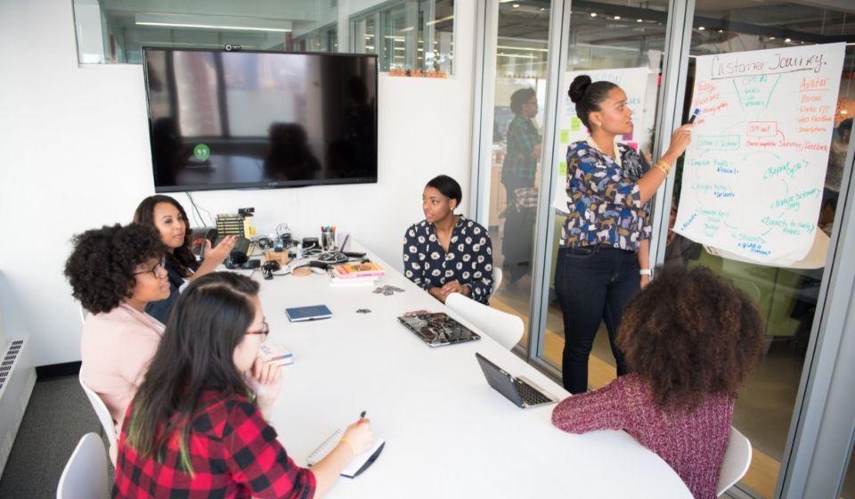 Perbedaan Utama dari Administrasi dan Manajemen