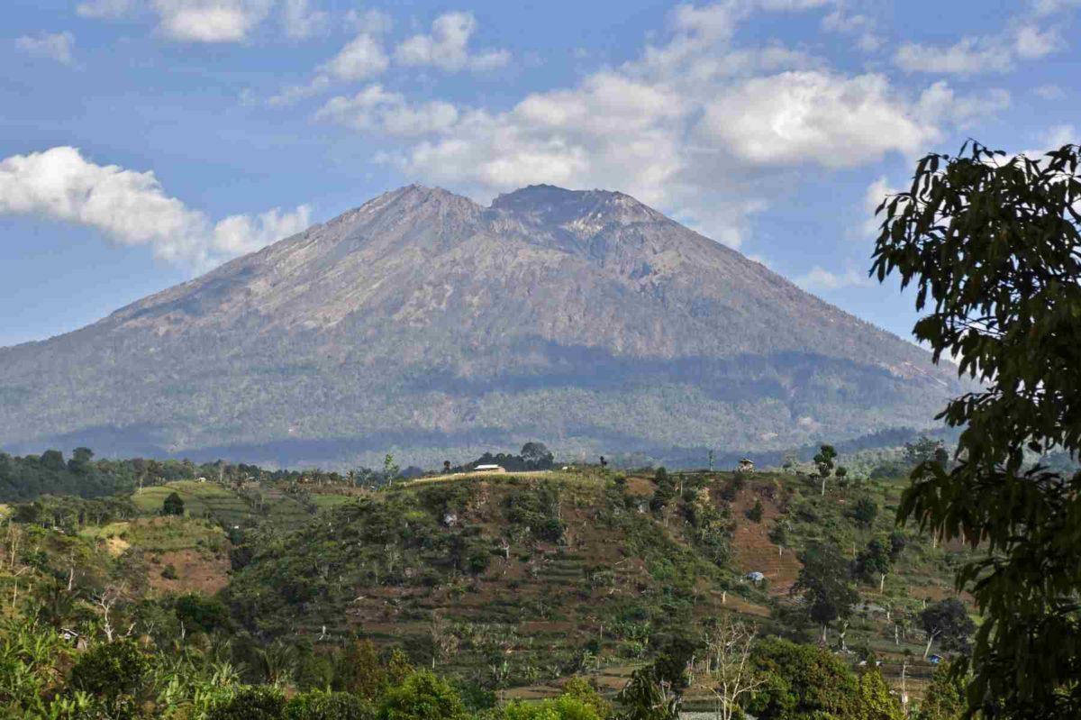 gunung tipe maar
