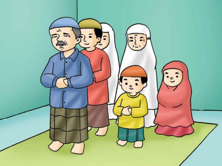 Beribadah bersama anggota keluarga