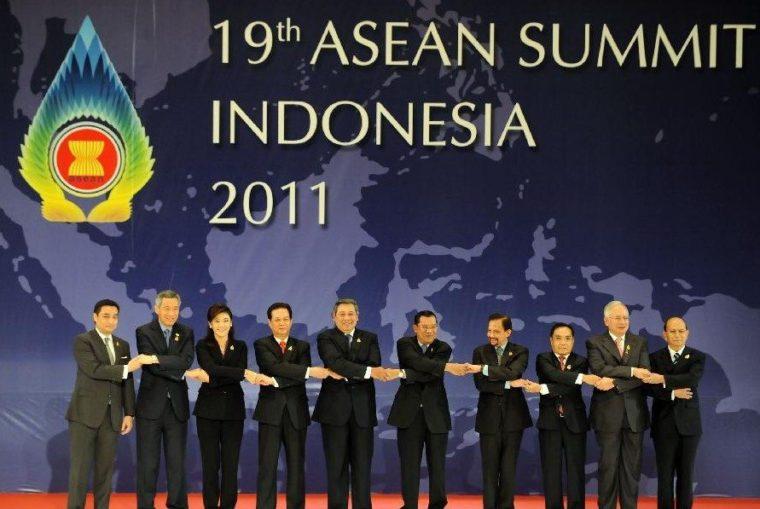 Peranan ASEAN dalam Hubungan Internasional