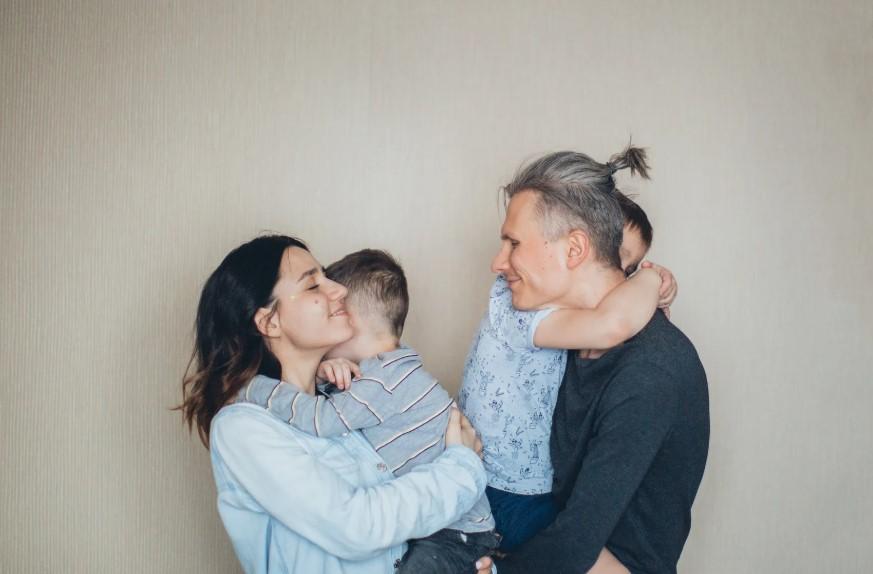 Gambar Thumbnail Peran Keluarga dalam Pembentukan Kepribadian