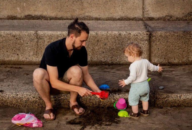 Keluarga Sebagai Pondasi Pendidikan Lingkungan