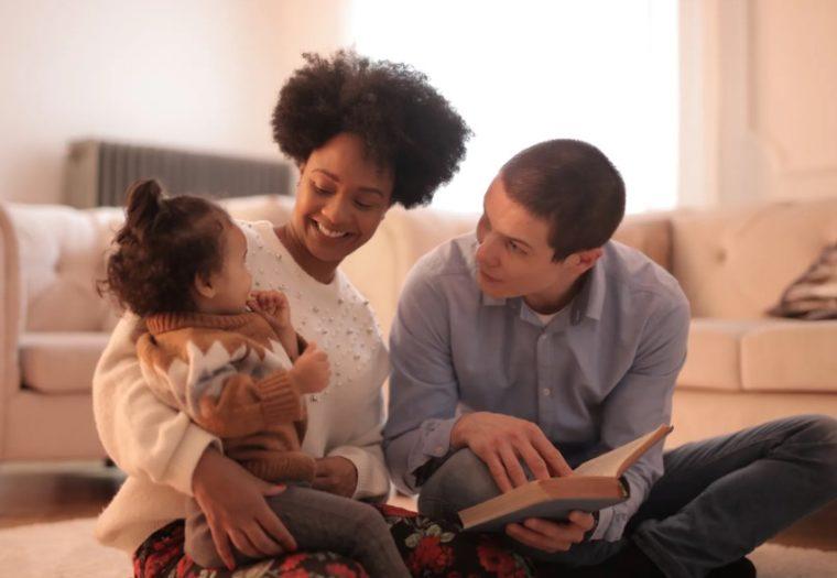 Keluarga Sebagai Pondasi Pendidikan Sosial Budaya