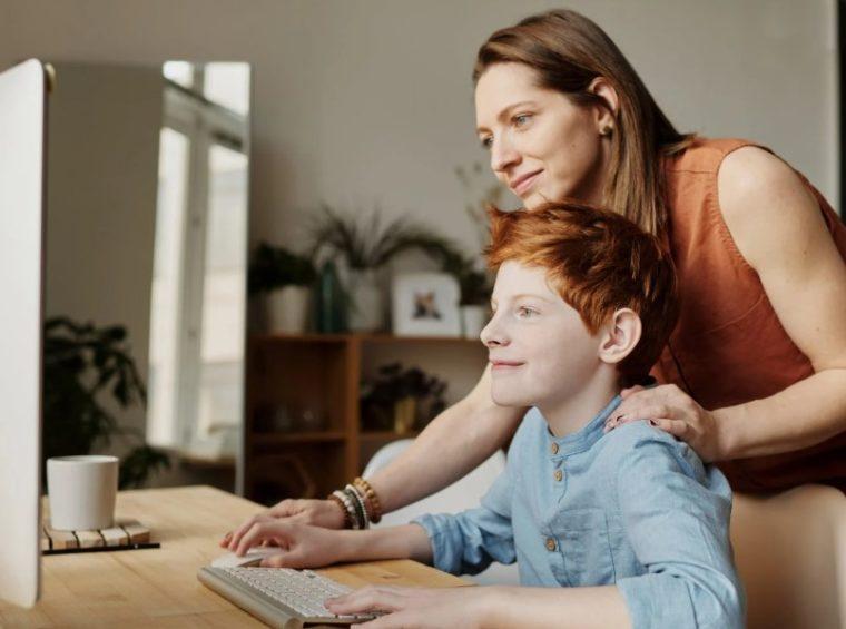 Kombinasikan Minak Anak dengan Mata Pelajaran yang Sedang Anak Pelajari