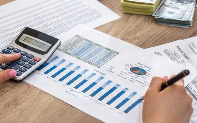 Membuat Laporan Evaluasi dan Keuangan