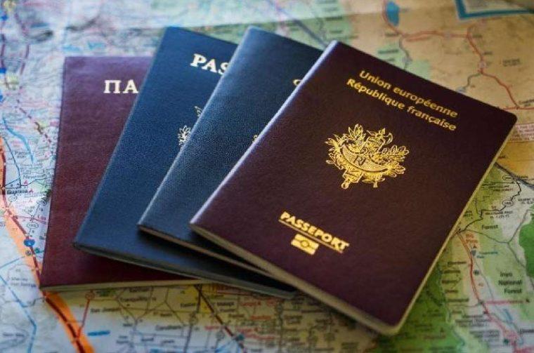 Memiliki Paspor dari Negara Asing yang Masih Menunjukan Identitas Kewarganegaraan Lain