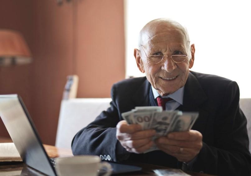 Pemberi Pinjaman Kepada Bank Bermasalah
