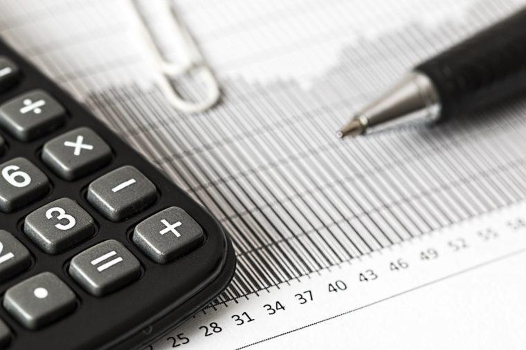 Perbedaan Debit dan Kredit Cover