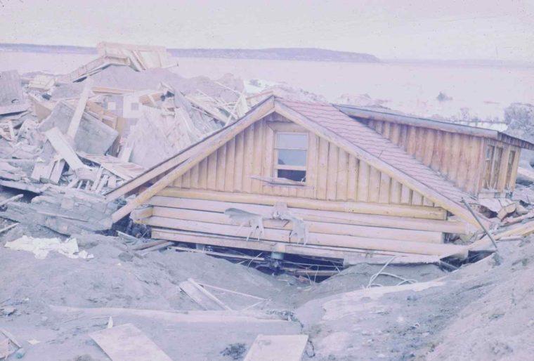 akibat gempa