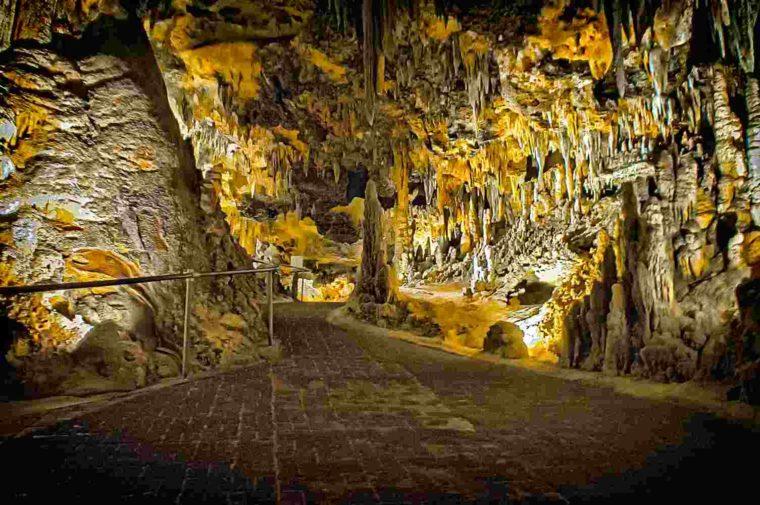 gambar stalaktit dan stalagmit