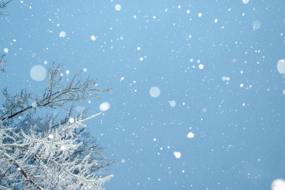 gambar hujan salju