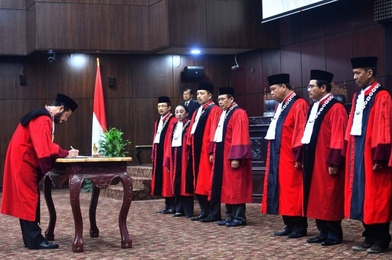 Gambar Thumbnail Fungsi, Tugas, dan Wewenang Mahkamah Konstitusi