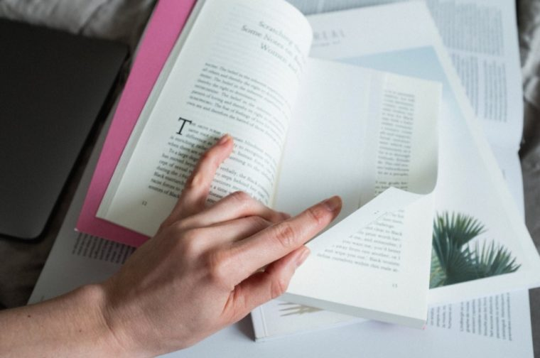 Gambar Thumbnail Pengertian Puisi