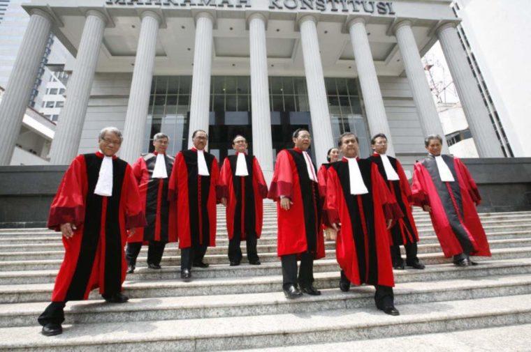 Susunan Mahkamah Konstitusi