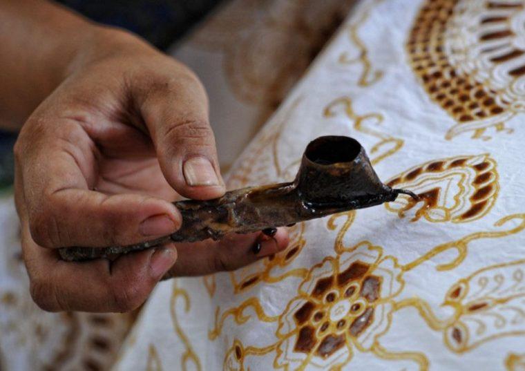Contoh Teks Eksplanasi Budaya Jawa Batik