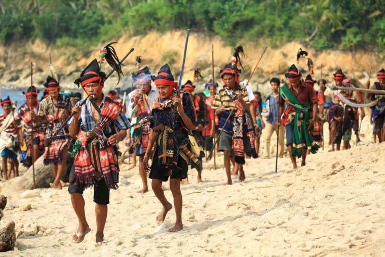 Contoh Teks Eksplanasi Budaya Lombok Bau Nyale