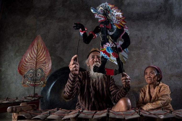Contoh Teks Eksplanasi Jawa Wayang