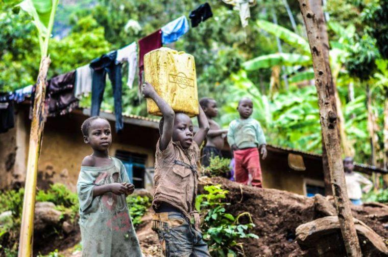 Contoh Teks Eksplanasi Sosial Tentang Kemiskinan