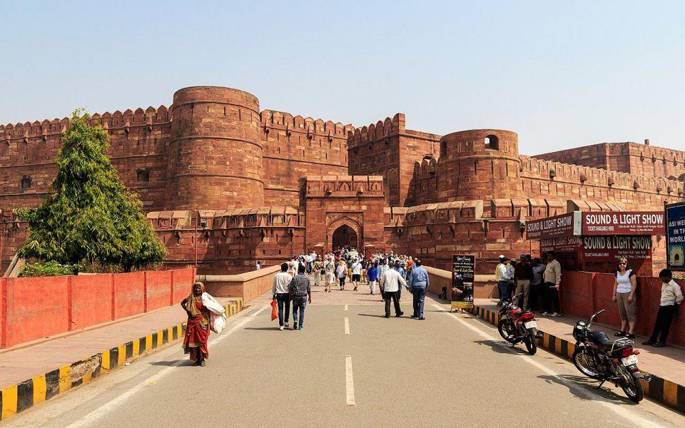Contoh-Arsitektur-Islam-Benteng-Agra