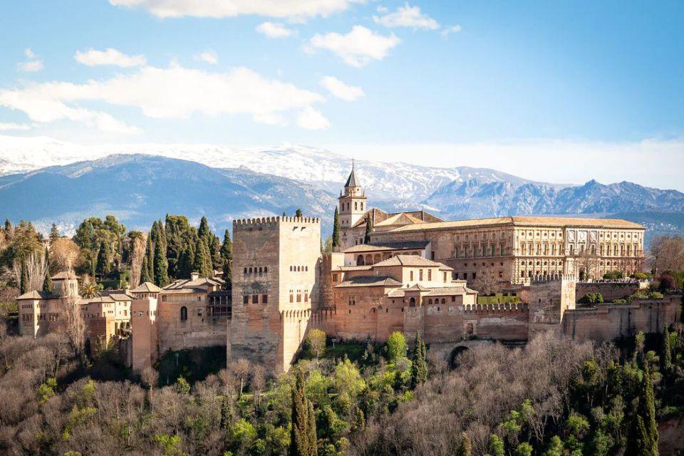 Contoh-Arsitektur-Islam-Istana-Alhambra