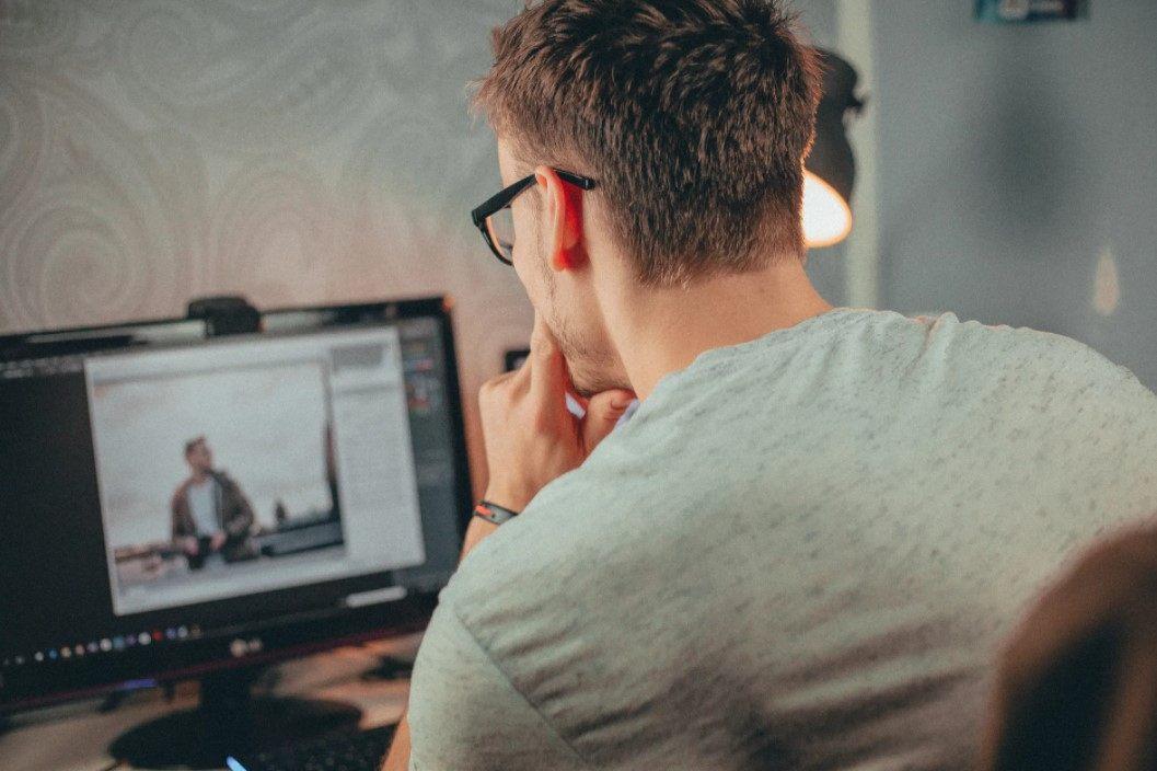 Gambar Thumbnail Cara Membuat Background di Word