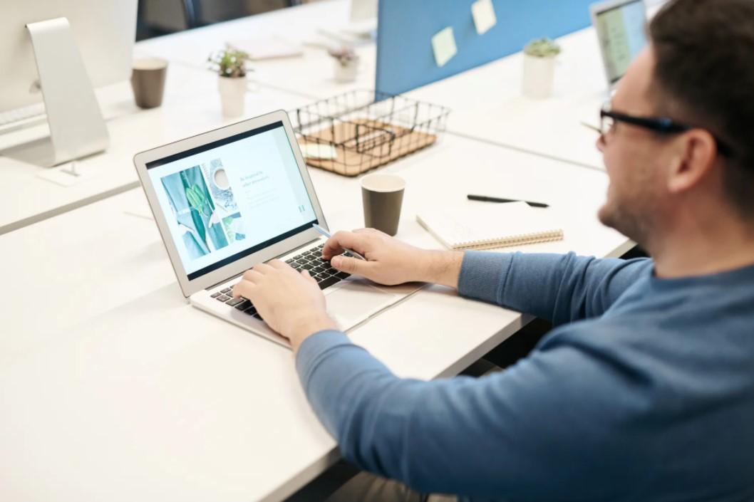 Gambar Thumbnail Menggabungkan Sel Tabel pada Microsoft Word