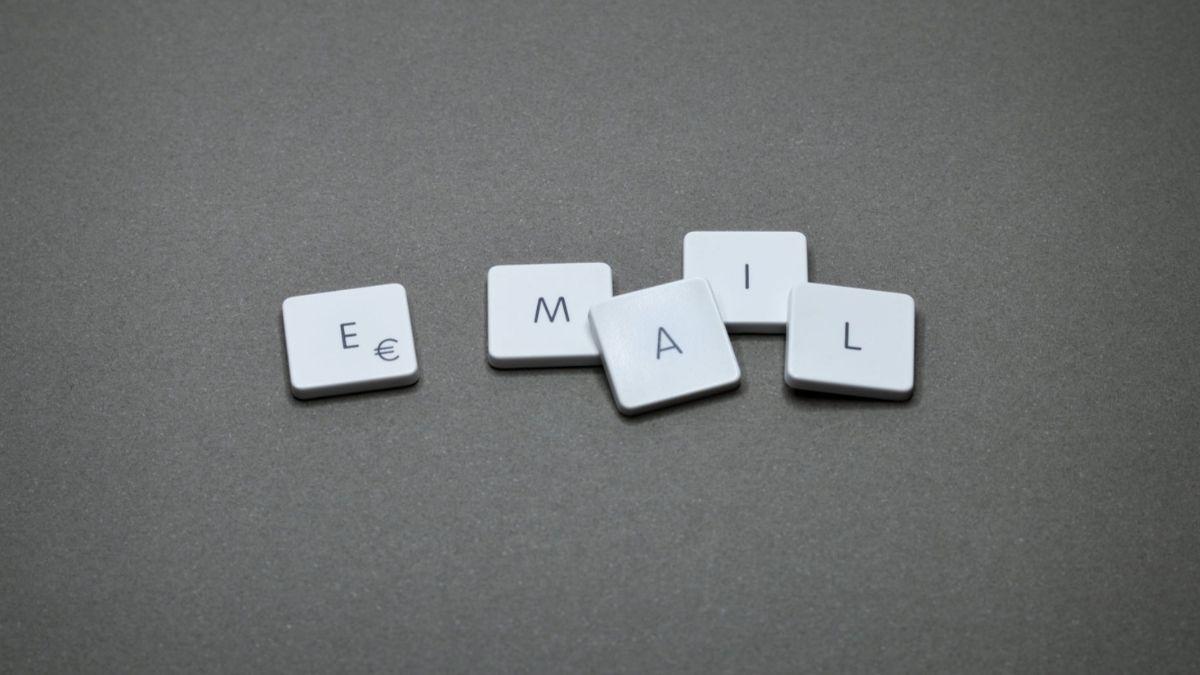 thumbnail mengirim email lamaran kerja