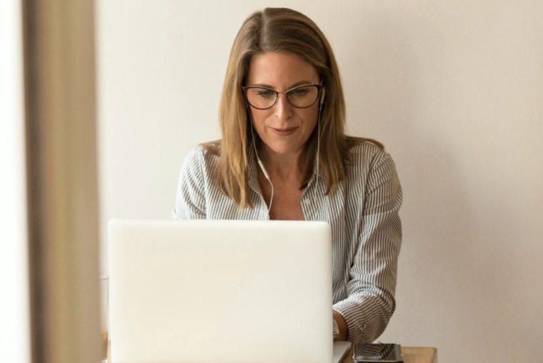 Cara Menggunakan Fungsi MID Excel