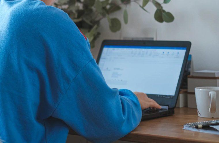 Cara Menggunakan Fungsi ROUNDUP Excel