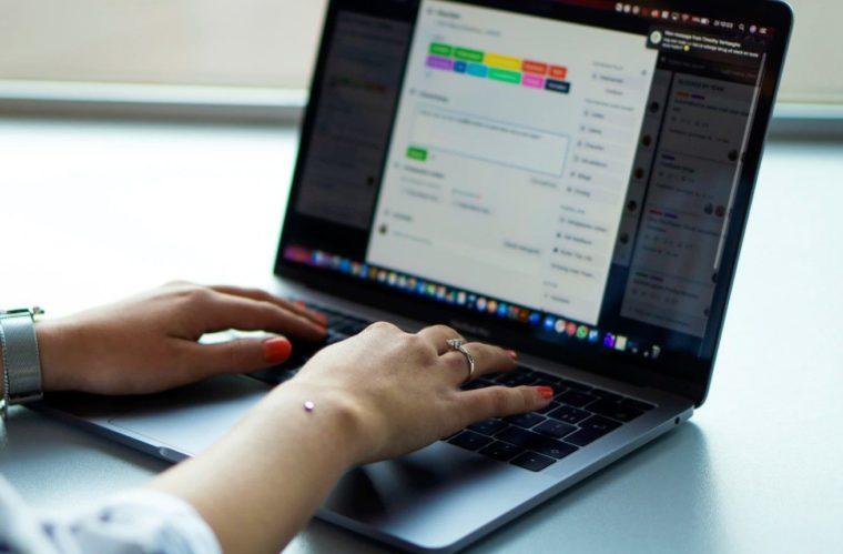 Catatan Saat Menggunakan Fungsi LARGE Excel