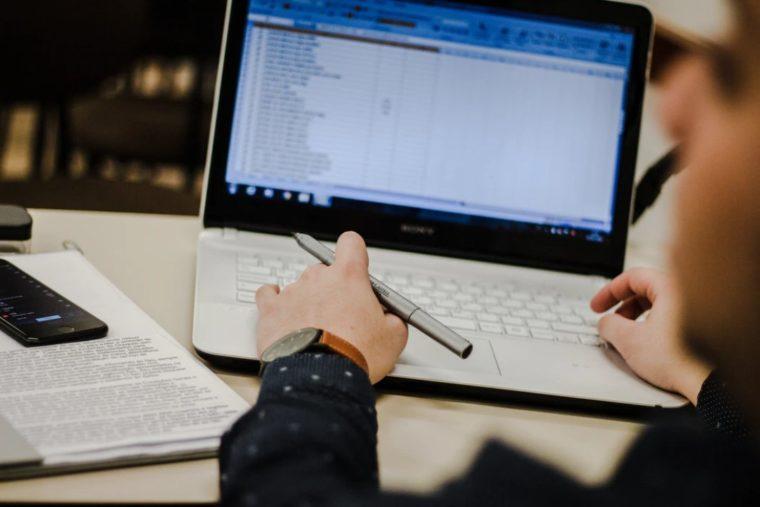 Cara Menggunakan Fungsi DCOUNT Excel