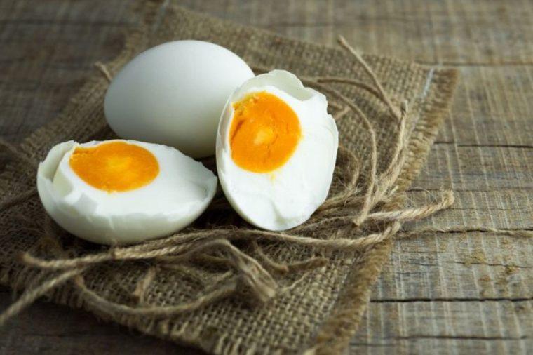 Contoh Membuat Telur Asin