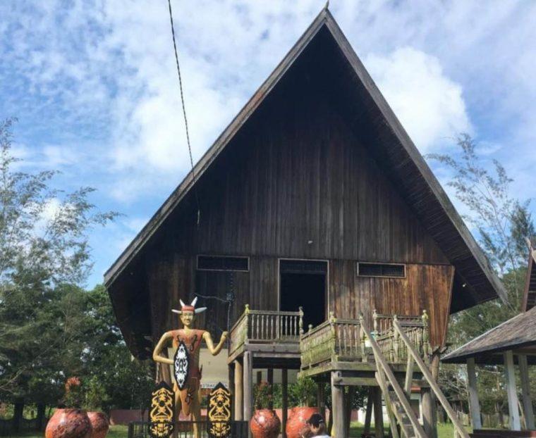Bentuk dan Ciri Khas Rumah Adat Aceh