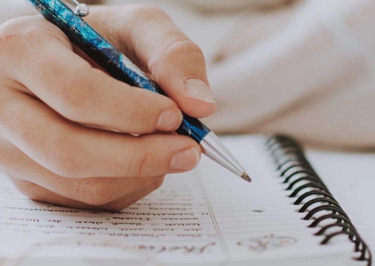 Gambar Thumbnail Penulisan Gelar