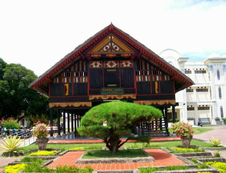 Gambar Thumbnail Rumah Adat Aceh