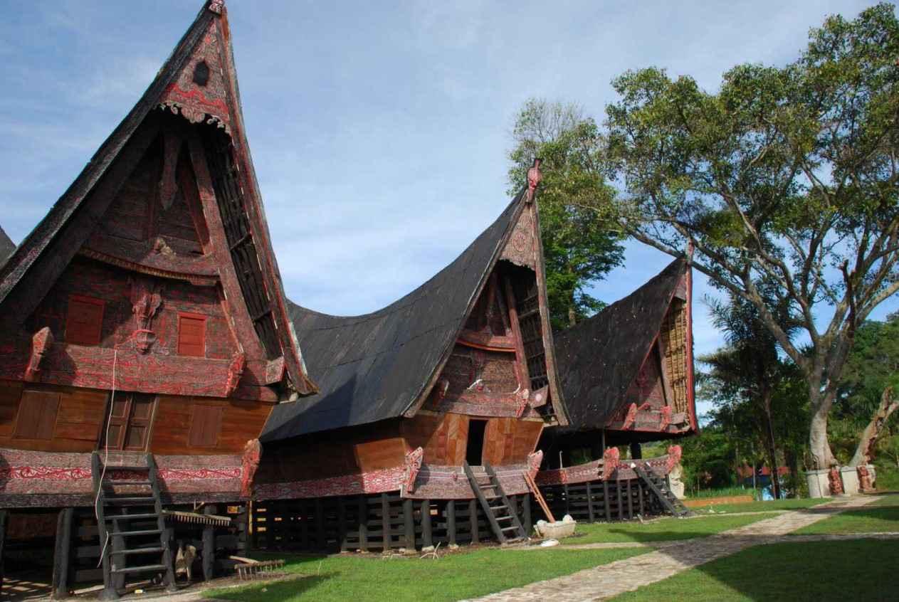 Gambar Thumbnail Rumah Adat Sumatera Utara