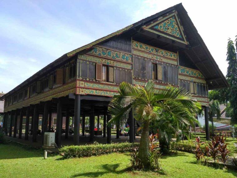 Nama Rumah Adat Aceh