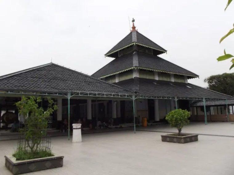 Rumah Adat Jawa Tengah Tajug