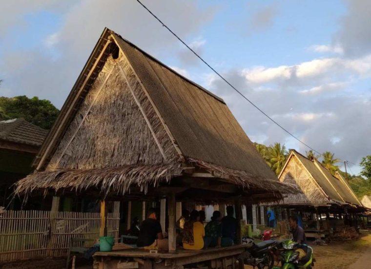 Rumah Adat Jawa Timur Dhurung