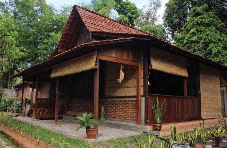 Rumah Adat Jawa Timur Limasan Lambang Sari